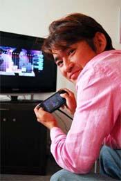 Tetsuya Mizuguchi playing Lumines 2