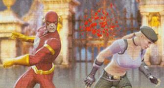 Flash fighting Sonya in Mortal Kombat vs DC Universe