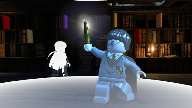 Lego Harry Potter casting Lumos spell screenshot